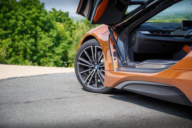 BMW i8 E-Copper Wheel with door open
