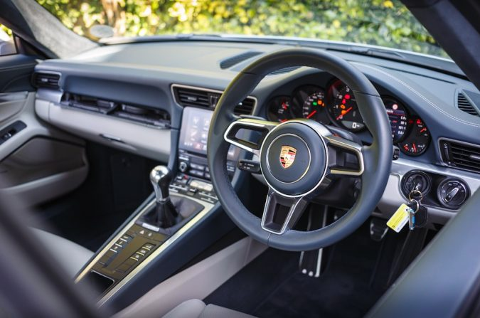 Porsche 911 Carrera 2018 Sample Interior