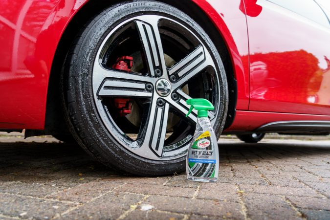Tyre Gel. Restore Car Paintwork