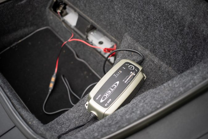 test charge on Audi R8 CTEK Pro Battery Charger MXS 10