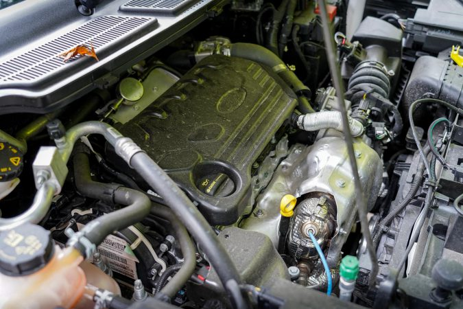 Engine oil can leak due to a loose or faulty oil filler cap.