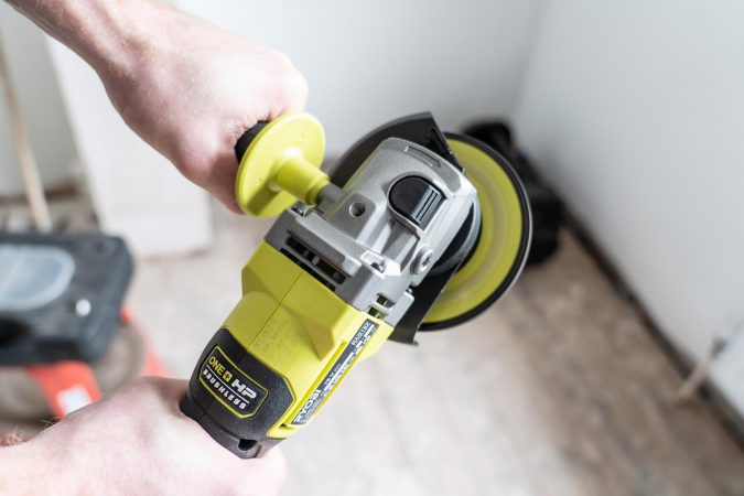 The Ryobi RAG18X has some great performance thanks to the new brushless motor.