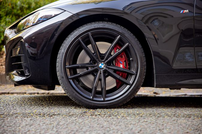 BMW M440i xDrive Coupe Wheel and Brakes