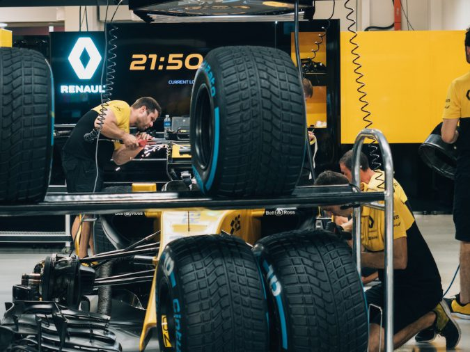 Motorsport racing tire sizes Renault F1 Formula 1 tire changes swaps spares replacement