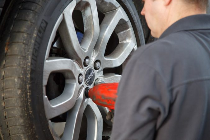 Car tire removal brakes service maintenance problem repair replacement diagnosis troubleshooting